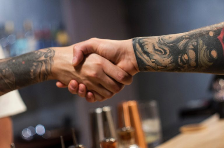 handshake p2p crowd investing